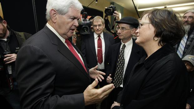 Newt Gingrich talks to Karen and Tom Quiner at the Faith & Freedom Forum in 2011